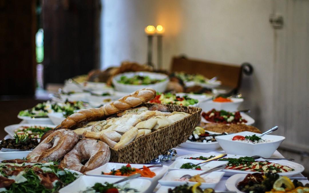Lekker makkelijk: een feestelijk hapjesbuffet