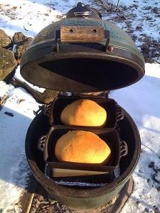 Big Green Egg brood bakken